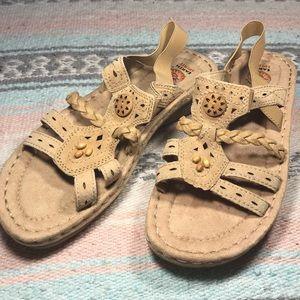 NWOT earth spirit sandals